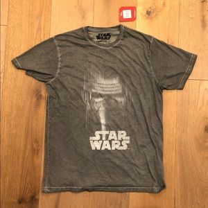 NWT Official Star Wars Women's Size LGray Tshirt